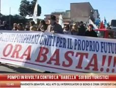 """80 euro per la sosta dei bus turistici, Pompei insorge: """"Una gabella che farà morire i nostri affari"""""""